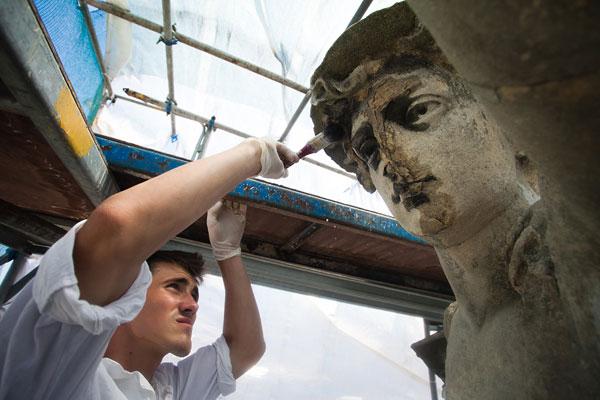 """Реставрація пам'ятки. Фото з сайту спільноти """"Врятувати Меркурія"""""""